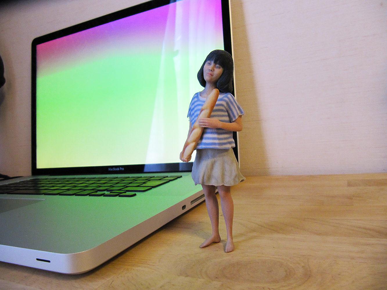 成長の記録にお子さんの3Dフィギュアをデスクトップに!
